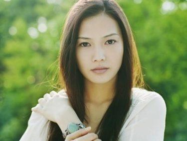 yui(元・YUI)の現在。2度の結婚で子供を4人授かっていた!路上ライブをインスタに投稿が話題に!